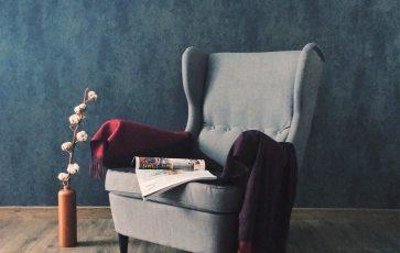 Welurowy fotel do gabinetu – postaw na elegancję i wygodę